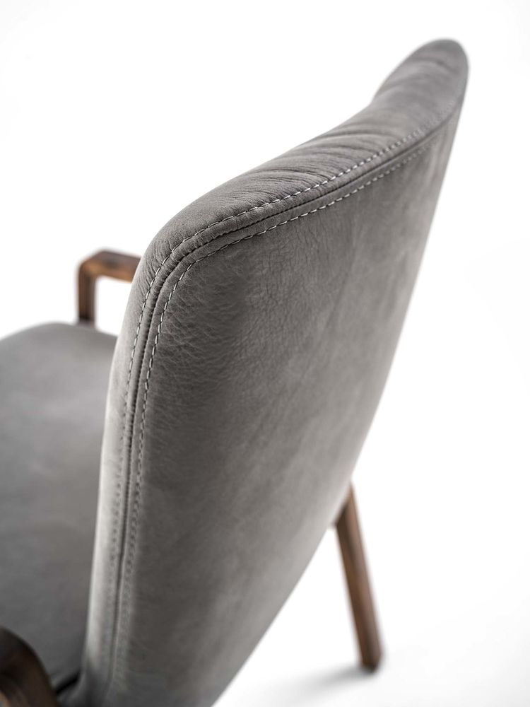 NOBLE' CHAIR5
