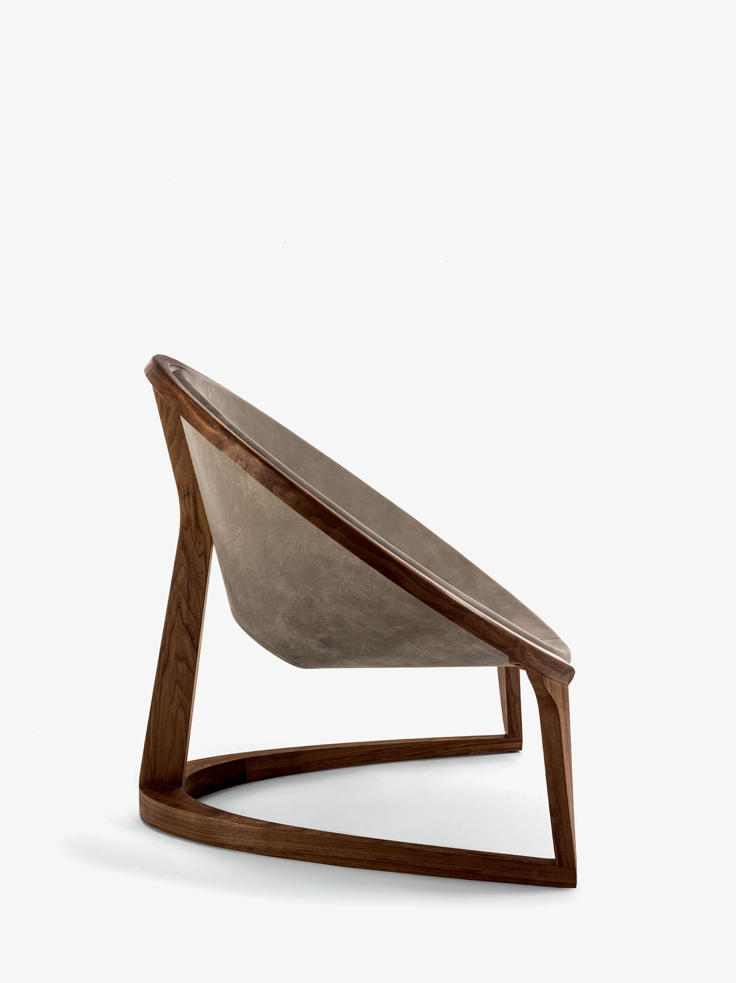 POLTRONE_YIN_YANG_COLLECTION_LOUNGE_CHAIR_02_02
